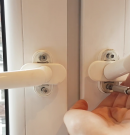 Wymiana i Montaż Klamki w Oknie PCW – Poradnik [4K]