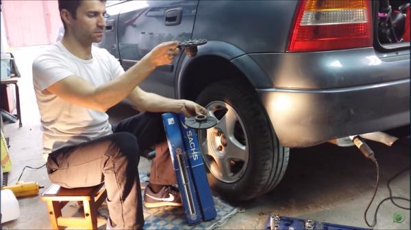 Wymiana Amortyzatorów Tylnych i Gum Sprężyn - Opel Astra G