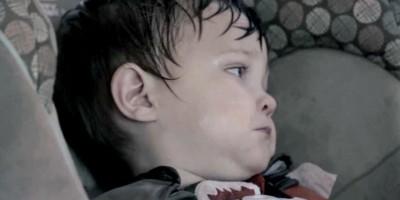 Dziecko w gorącym zamkniętym samochodzie